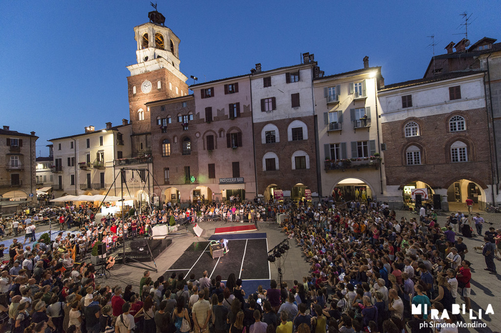 Festival Mirabilia a Savigliano – 2015 - Cirko Vertigo - ph Simone Mondino