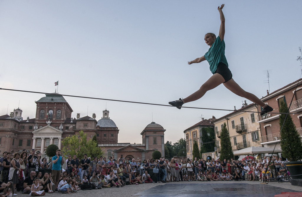 Mirabilia 2015 a Racconigi - Cirko Vertigo - ph Andrea Macchia
