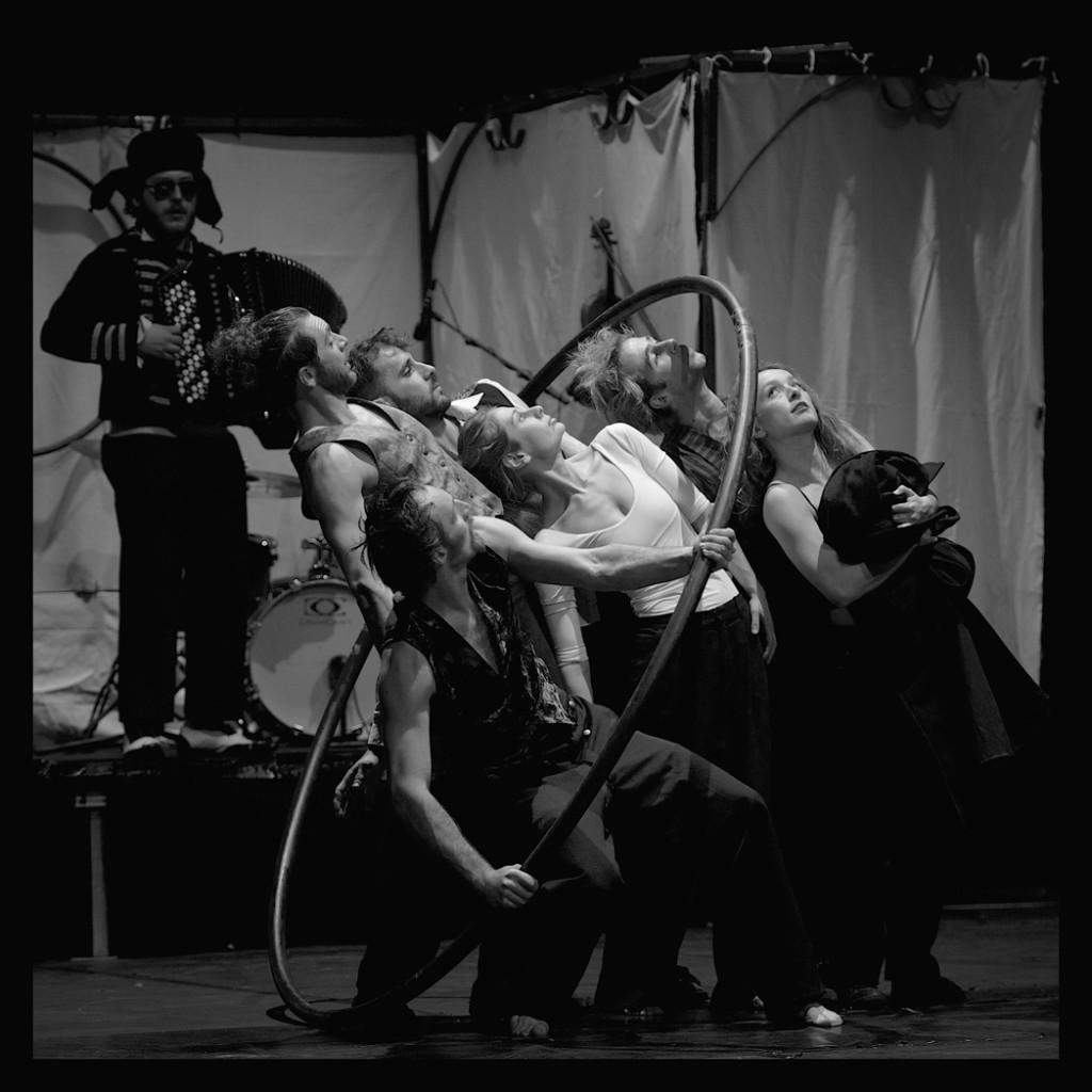 Circo Zoé - Naufragata