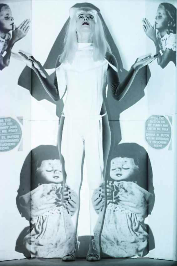Paola Chiama - The real Doll - Festival Mirabilia 2009
