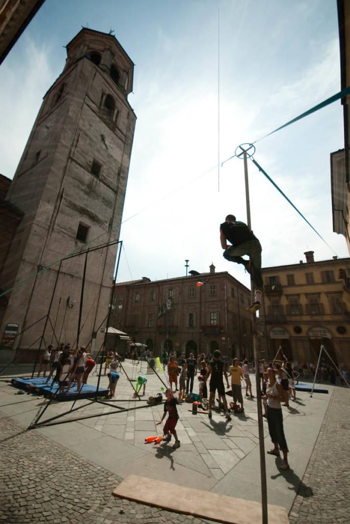 Flic Scuola di Circo - Festival Mirabilia 2009 - ph Andrea Macchia