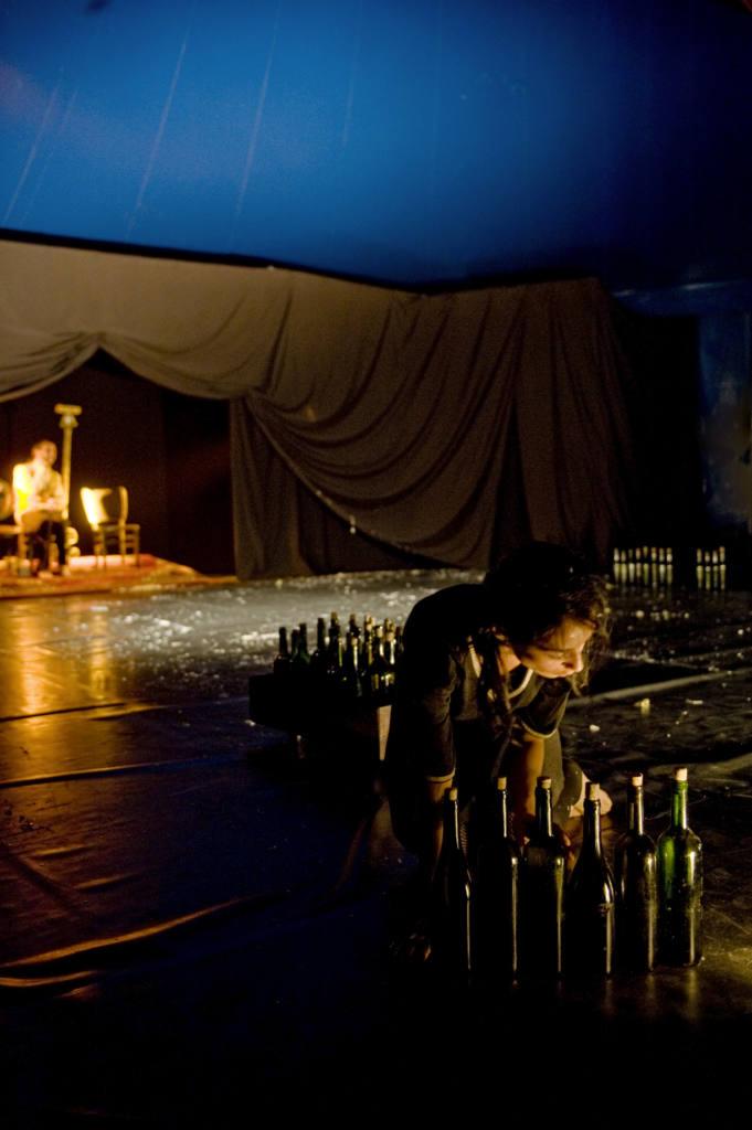 Compagnia El Grito - 20 Decibel - Festival Mirabilia 2011 - ph Andrea Macchia