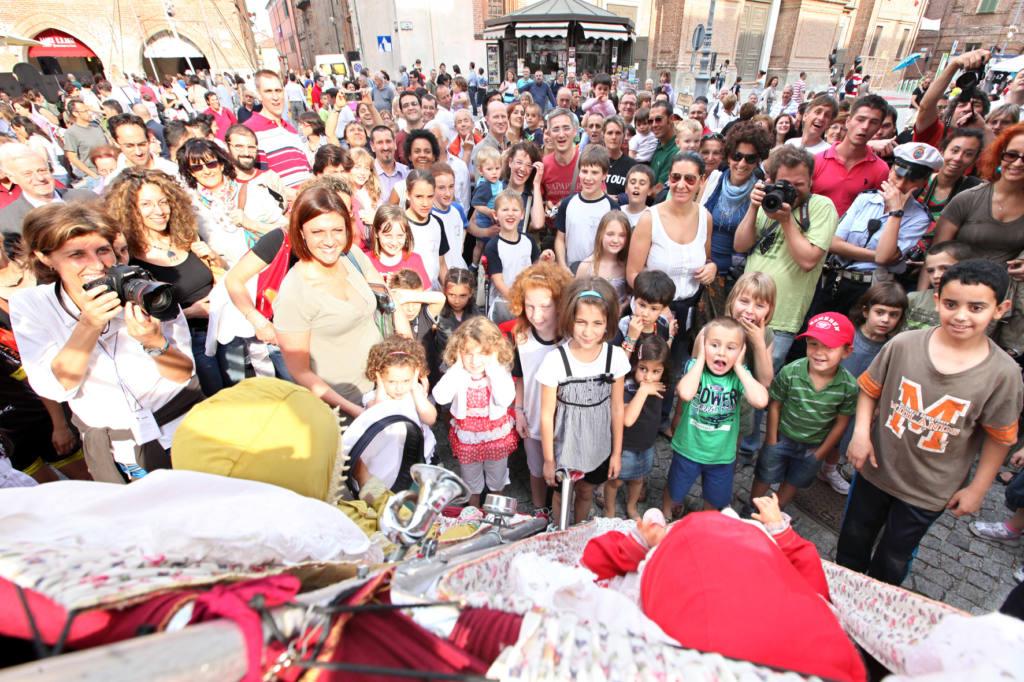 Compagnia Le Due e un Quarto - Senza Denti - Festival Mirabilia 2011 - ph Marco Salzotto