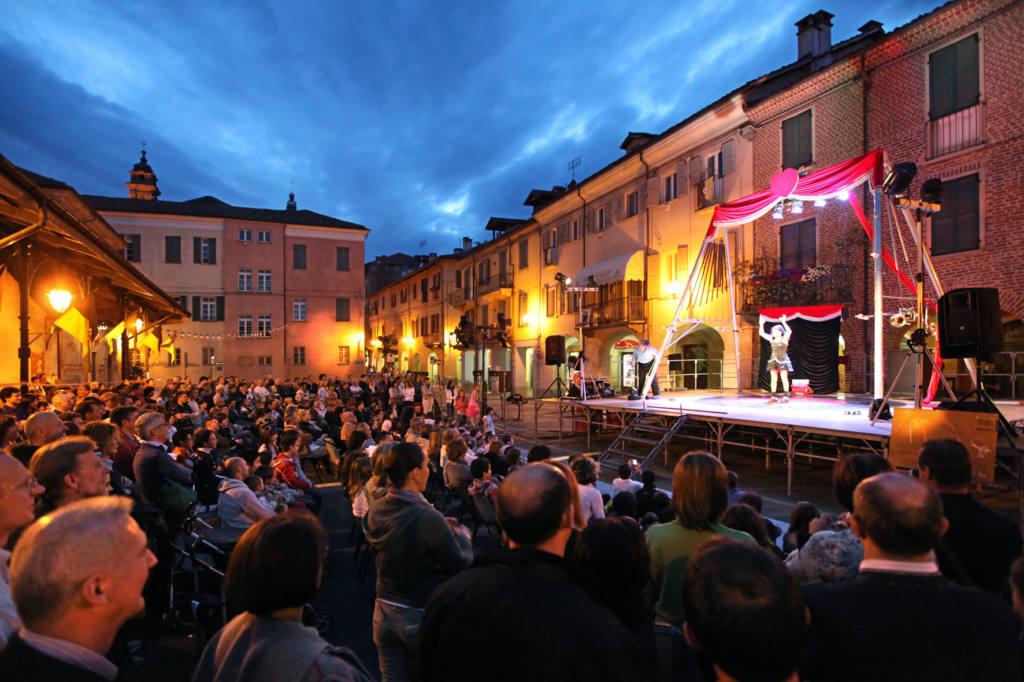 Nando&Maila - Sconcerto d'amore - Festival Mirabilia 2011 - ph Marco Salzotto