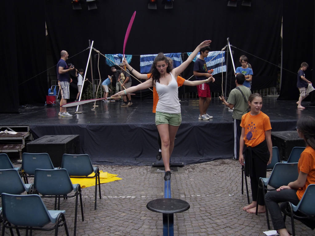 En Piste / Scuola di Circo - Festival Mirabilia 2013 - ph Alessandro Sala