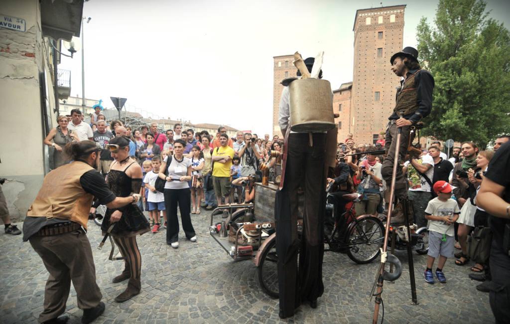 Voyages Extraordinaires - Steampunk Parade - Festival Mirabilia 2014 - ph Raica Quilici