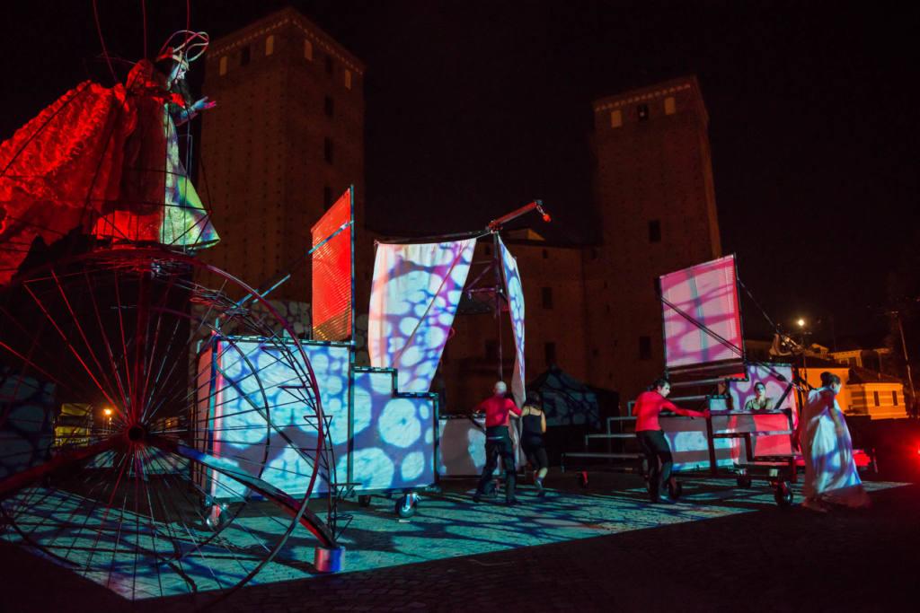 Ondadurto Teatro - C'era una volta - Festival Mirabilia 2013 - ph Andrea Macchia