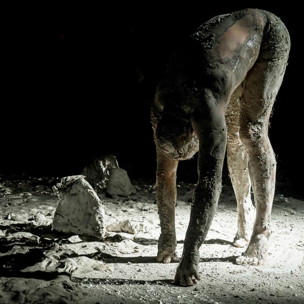 La Scabreuse - L'homme de boue - Festival Mirabilia 2014 - ph Andrea Macchia
