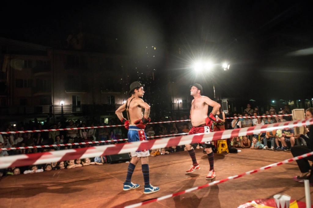 DuoDorant clown company - Strip Fighters - Festival Mirabilia 2014 - ph Andrea Macchia