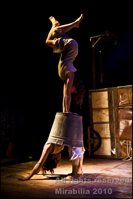 Circo Teatro Coliflor - Salir - Festival Mirabilia 2010 / ph Daniela Salton