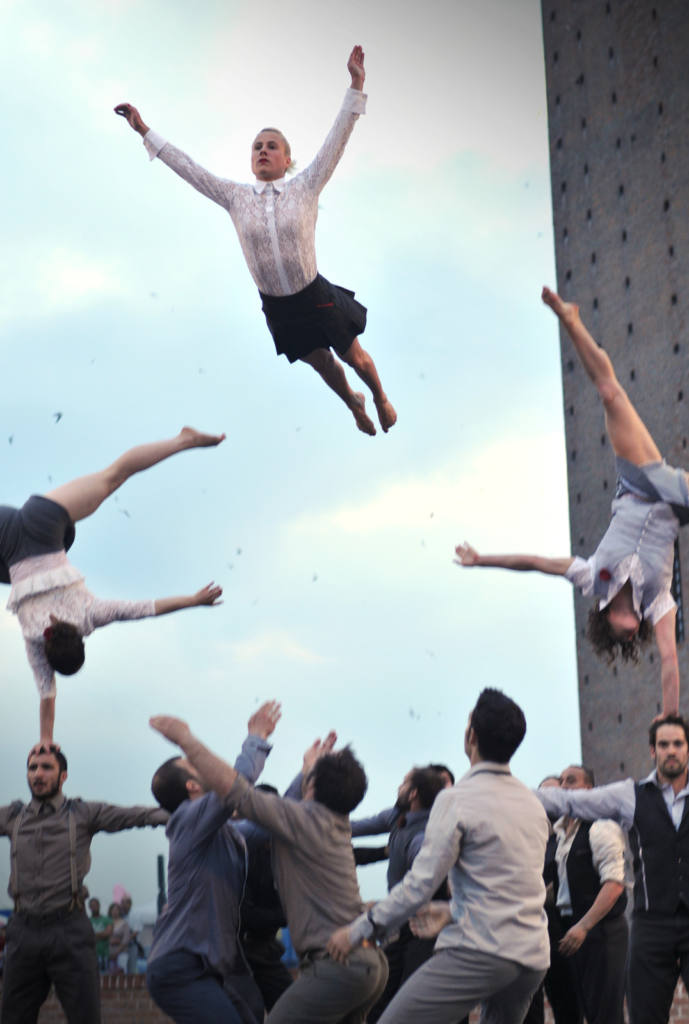 compagnie XY - Il n'est pas encore minuit - Festival Mirabilia 2014 - ph Raica Quilici