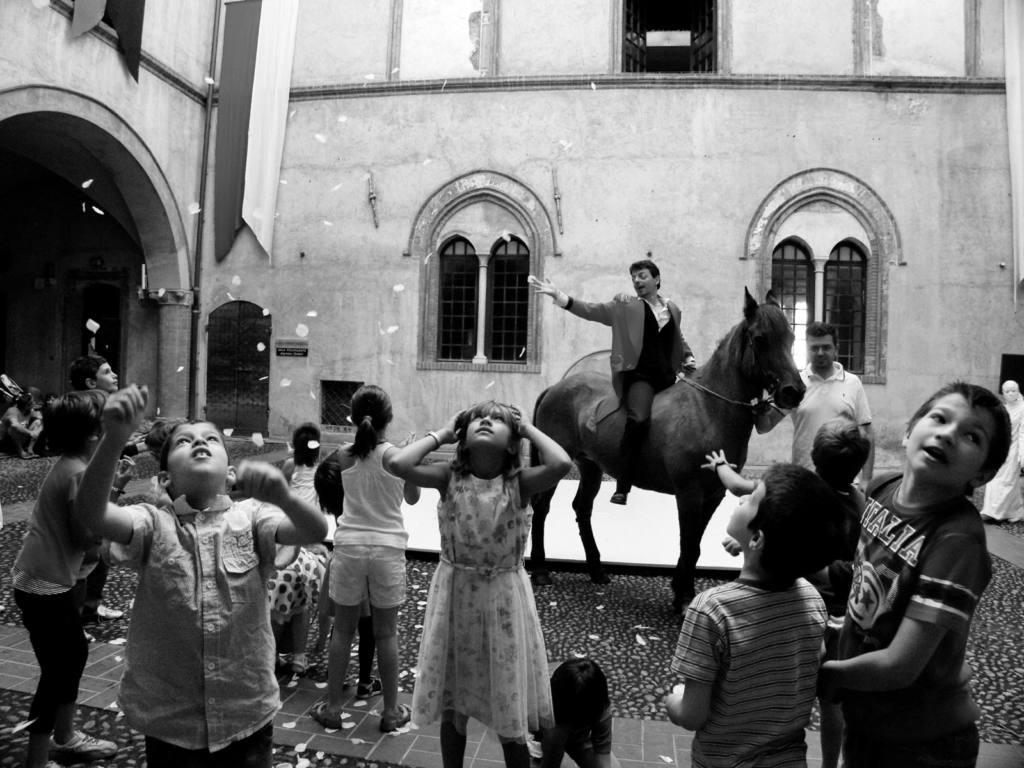 Silence Teatro, Duo Laos, claudia Franco - Il Castello delle Essenze - Festival Mirabilia 2014 - ph Alessandro Sala
