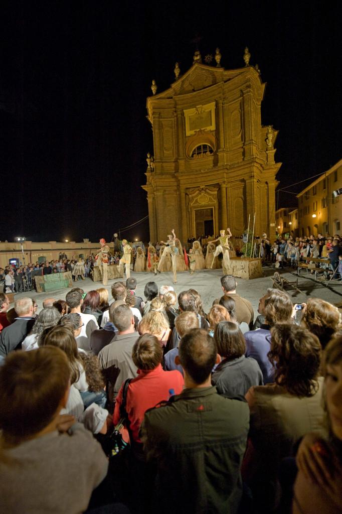 Compagnia Il Teatro dei venti - Il Draago - Festival Mirabilia 2011 - ph Andrea Macchia
