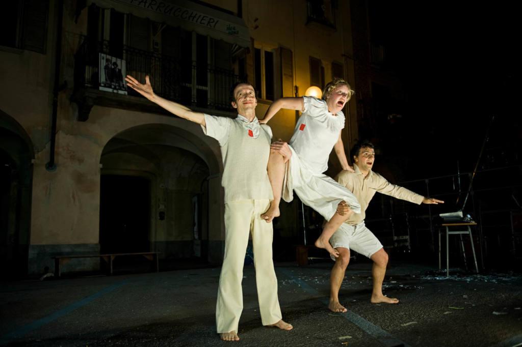 Compagnia TarditoRendina - Circhio Lume - Festival Mirabilia 2011 - ph Andrea Macchia