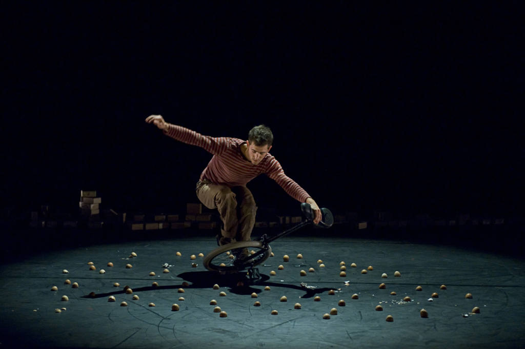 Lapsus - Six pieds sur terre - Festival Mirabilia 2012 - ph Andrea Macchia
