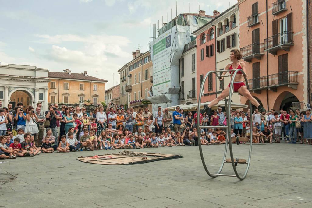 Circo Puntino - Effetto Caffeina - Festival Mirabilia 2013 - ph Andrea Macchia