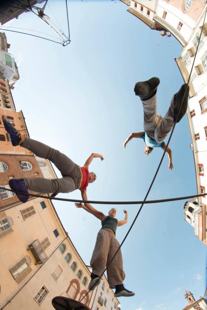 blucinQue - Cirko Vertigo - Vertigo Suite Studio - Festival Mirabilia 2014 - ph Andrea Macchia