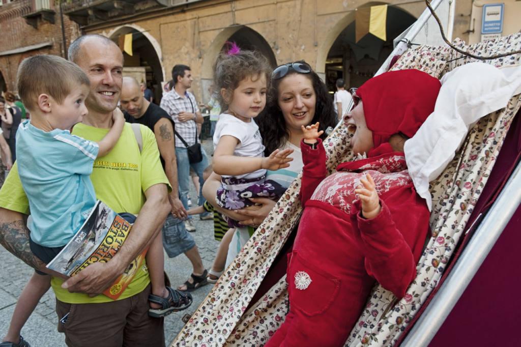 Le due e un quarto - Senza Denti - Festival Mirabilia 2010 - ph Andrea Macchia