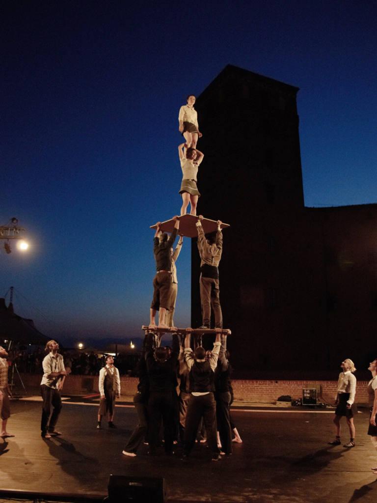 compagnie XY - Il n'est pas encore minuit - Festival Mirabilia 2014 - ph Alessandro Sala
