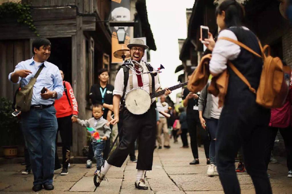 GALIRO'S ECCENTRIC ONE MAN BAND - Poom-Cha - Festival Mirabilia 2018 - ph Artbirds